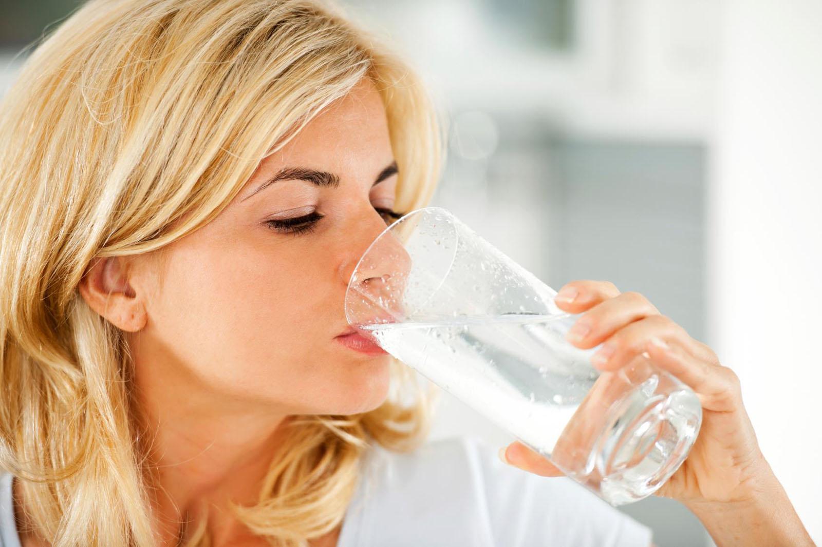 Как похудеть с помощью воды за неделю на 10 кг без вреда для организма