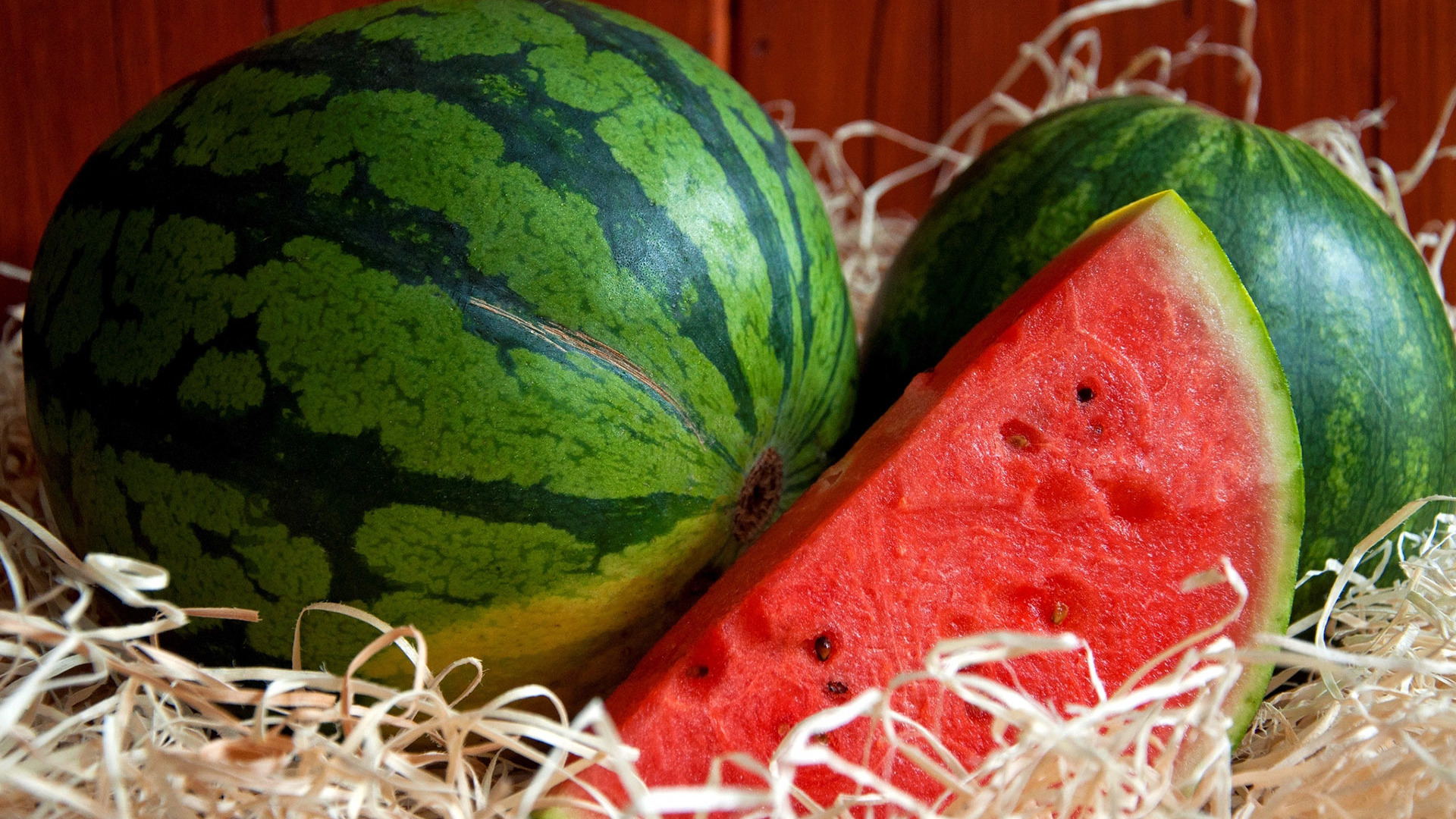 watermelon-photography-hd-wallpaper-1920x1080-36452