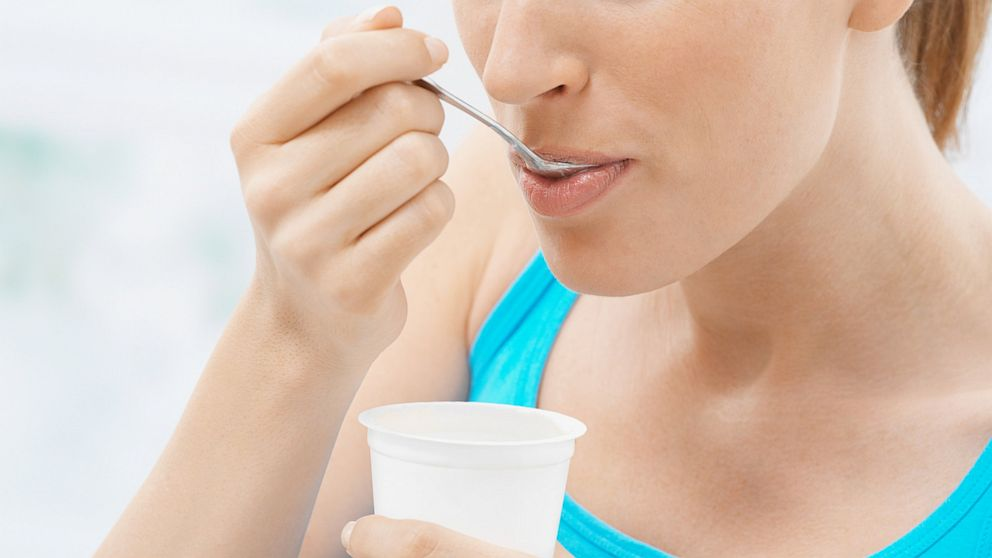 gty_eat_yogurt_56294453_ll_120713_16x9_992