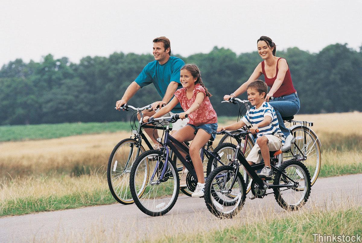 family-bikingjpg-7310ed643b4f8ee4