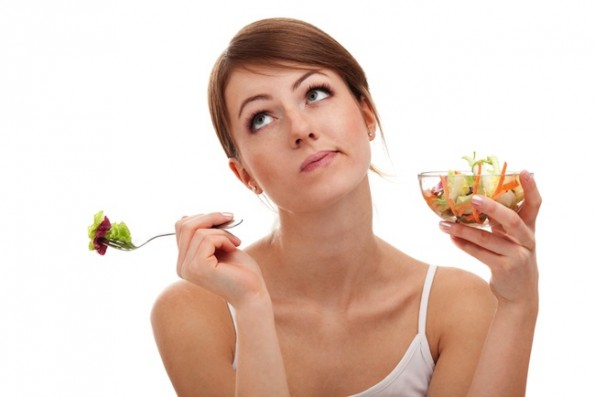 woman-diet-salad-595x397